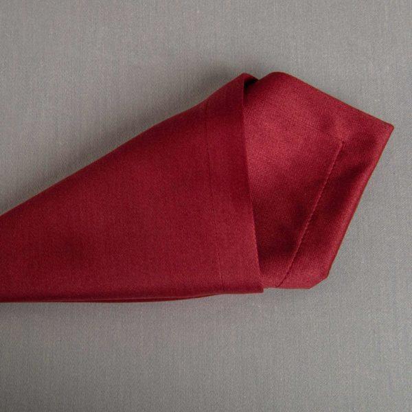 Linge De Table Monza Bordeaux 50 Pour Cent Polyester 50 Pour Cent Coton 233 Grs M2 Professionnel Restaurant Linvosges Hotellerie